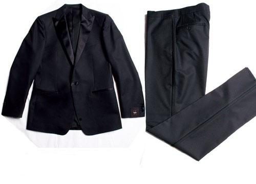 Schwarz Suit