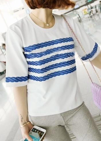 2013 Sommersneuheit: kurzaermeliges T-Shirt mit Stickerei am Brust aus Baumwolle